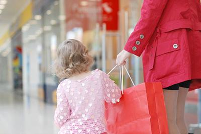 10 советов как правильно выбрать детскую одежду на подарок - Kindo ... 694ba77c753